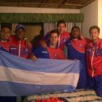 Parte de la banda argentina del Olmedo festeja el ascenso a Serie A
